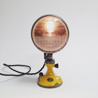 Car lamp yellow